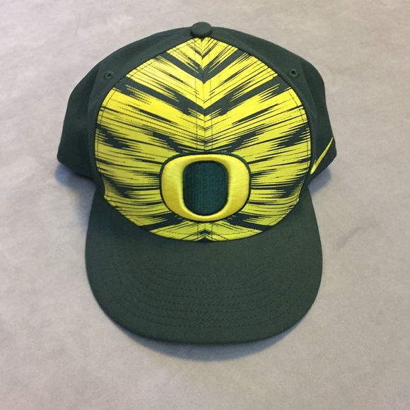 Nike Oregon Ducks Dri Fit SnapBack Hat aec29f1c80c